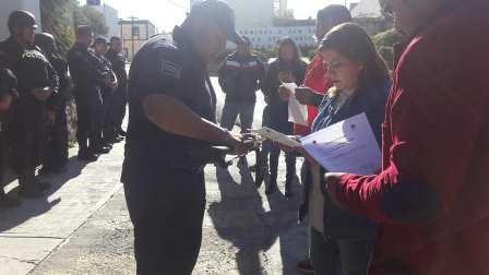 Ayuntamiento mejora imagen de la policía con uniformes nuevos