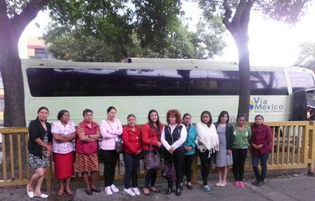 Llevan a mujeres de Tzompantepec a clínica de colposcopía