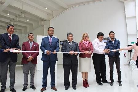 Inauguran en la UAT exposición Santuario de Luz y Otras Postales