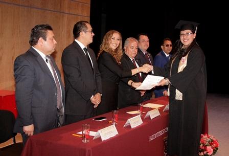 Se gradúa nueva generación de la Facultad de Ciencias Básicas, Ingeniería y Tecnología de la UATx