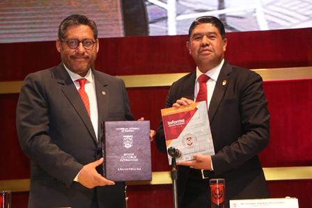 Rector de la UATx rinde informe anual de actividades