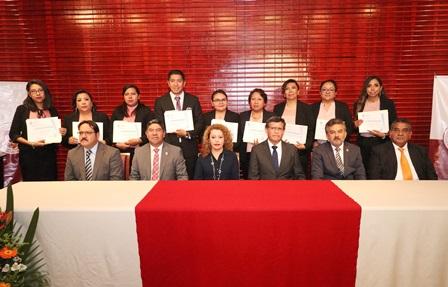 Nuevos posgraduados en Enfermería y en Ciencias de la Salud Pública de la UATx