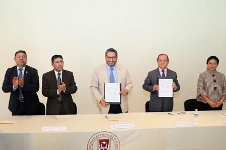 Trabajo conjunto de la UATx y el TSJ beneficiará a la sociedad