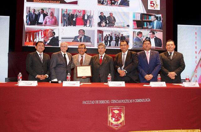 Obtiene acreditación internacional Licenciatura en Derecho de la UAT