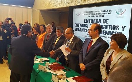 Entrega Rector de la UAT estados financieros a Diputados