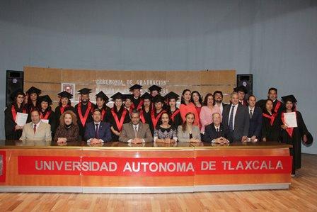 Concluyen alumnos posgrado en Administración de la UATx
