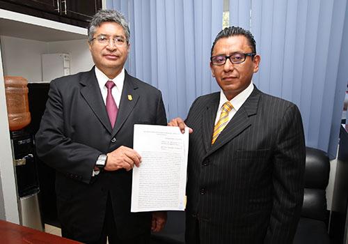 Firma Rector de la UAT contrato colectivo con el STUAT