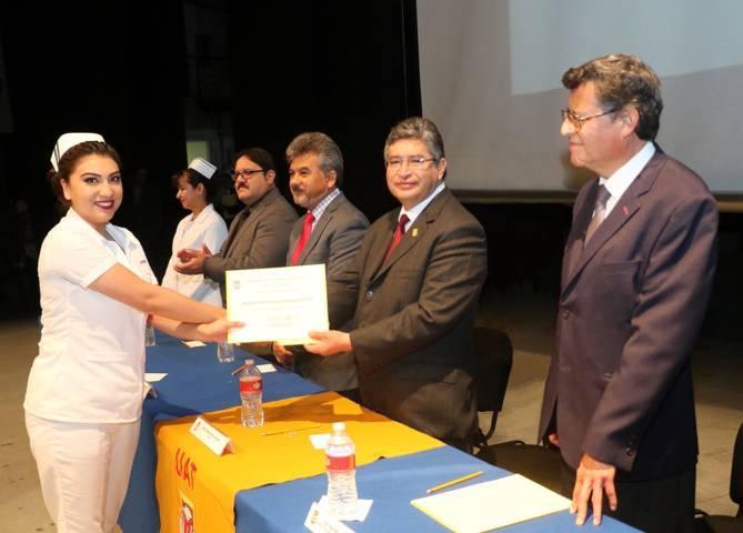 Egresó UAT a estudiantes de las Licenciaturas en Enfermería y Obstetricia