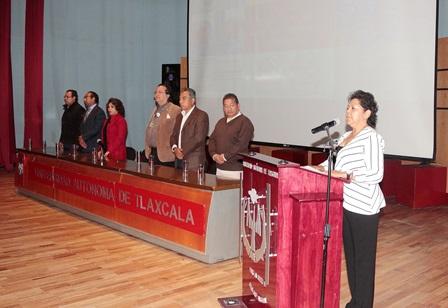 Especialistas disertaron en la UATx sobre enfermedades renales