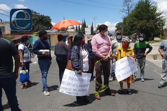 Amarran como puerco a funcionario de Panotla por falta de agua