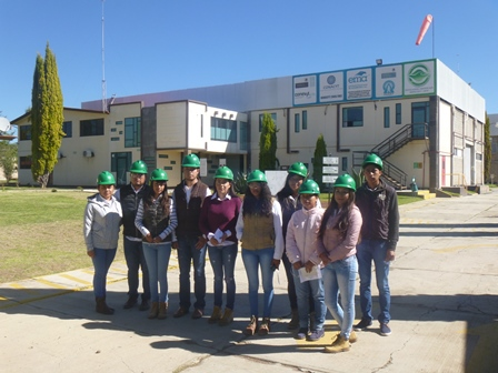 Visitan alumnos de Agrotecnología de la UPTREP empresa Agroenzimas