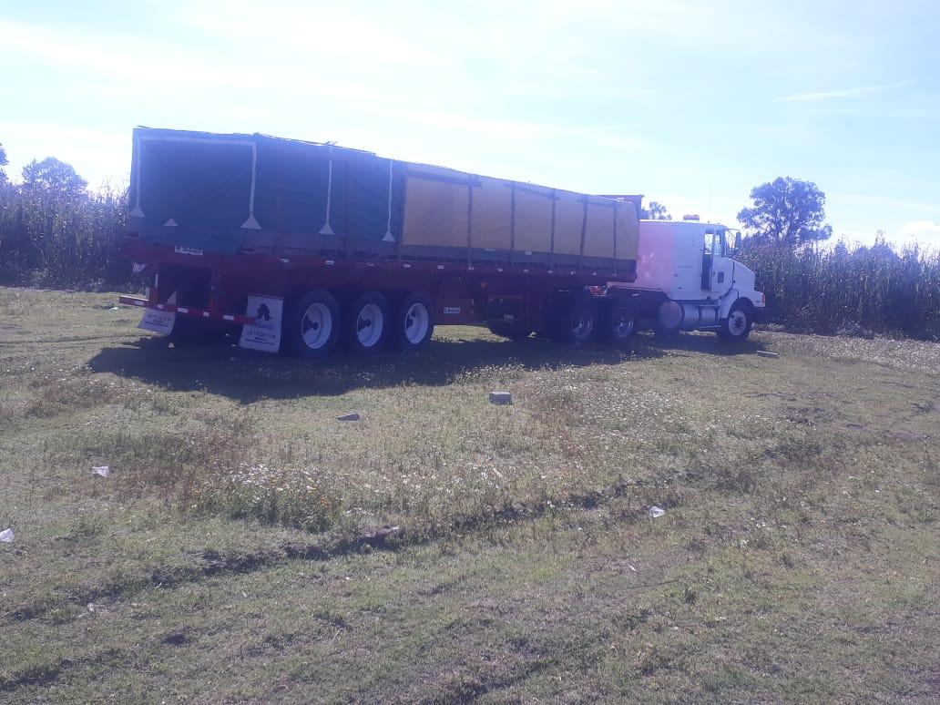 Frustra policía municipal de Huamantla robo de tracto-camión con mercancía
