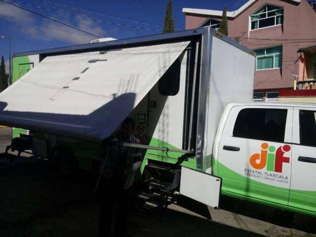 Brinda Unidad Médica Móvil servicios de salud a habitantes de Ixtenco