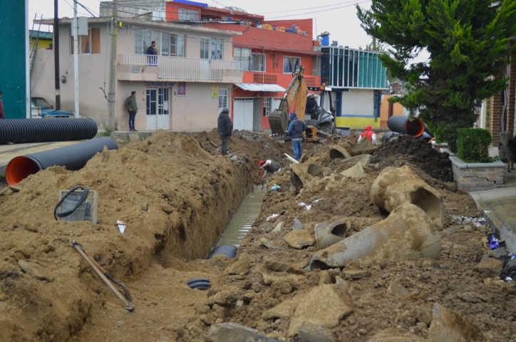 Ayuntamiento de Calpulalpan y gobierno del estado rehabilitan calle Unión