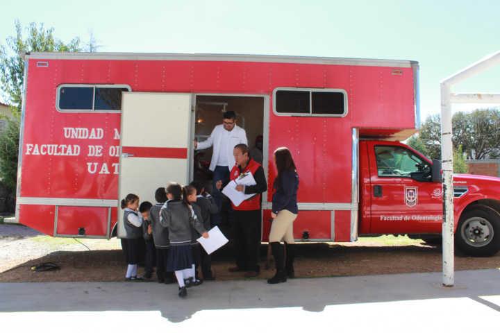 Ayuntamiento y la UAT mejoran la salud bucal de 230 alumnos de la Justo Sierra