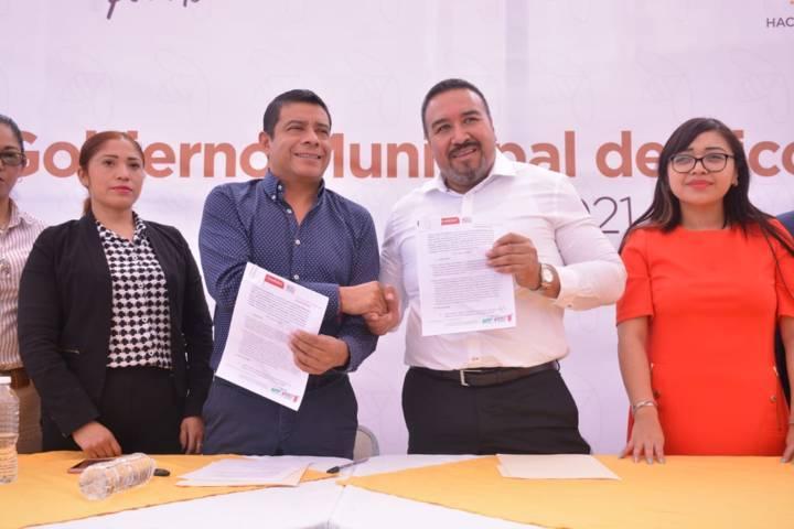 Celebran convenio Xicohtzinco y la UPT