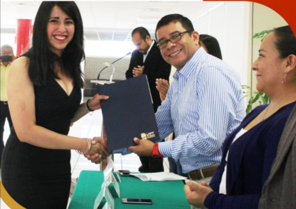 Promueve UPTX becas entre alumnos para alentar su formación