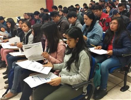 Realizan examen de ingreso a la UPTX más de 800 aspirantes