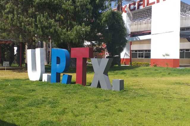 Se fortalece la infraestructura y la oferta educativa de la UPTx: Padilla