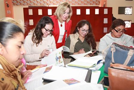 Capacitan a agentes educativos para el fomento a la lectura