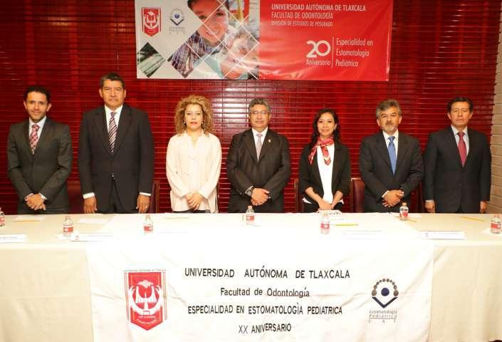 """Conmemoraron en la UAT el """"XX Aniversario"""" de la Especialidad en Estomatología Pediátrica"""