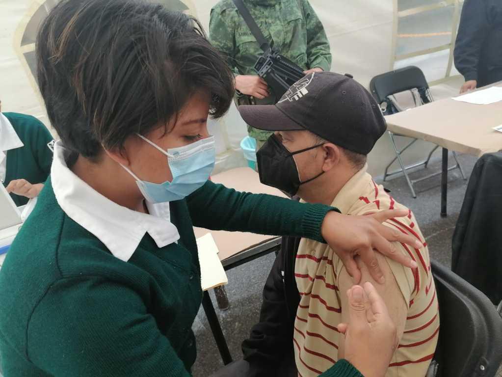 Llegan a Tlaxcala más de 100 mil vacunas