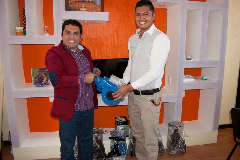 Alcalde mejora la infraestructura hidráulica de Mazapa entregando 8 válvulas