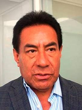El morenista Víctor Báez justifica la exhibida que le pusieron