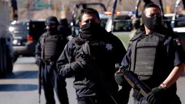 Delincuentes asaltan camioneta con textiles en Huamantla