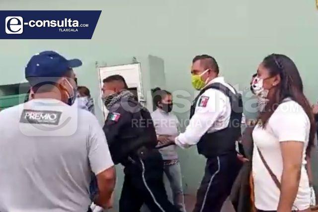 Violencia en Chiautempan, pobladores de Muñoztla se enfrentan con policías