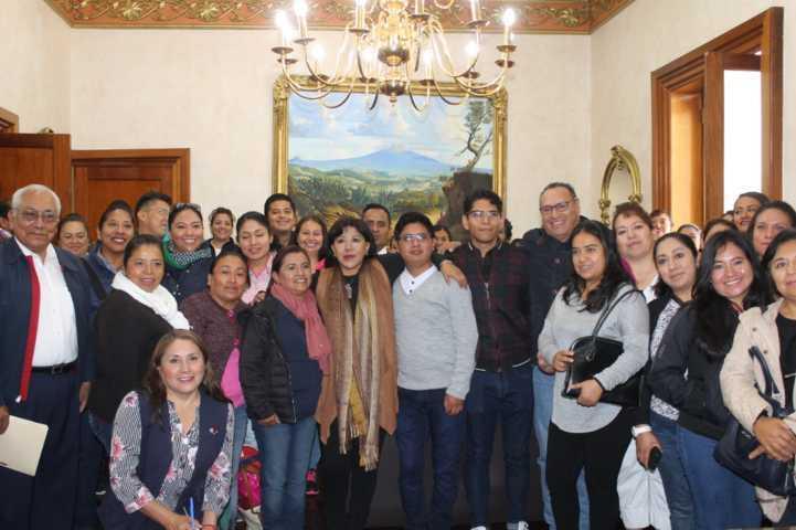 Recibe la alcaldesa Anabell Ávalos a turistas de Puebla