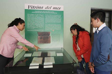 La vitrina del mes la dedicaron a las Cajas Reales en Tlaxcala
