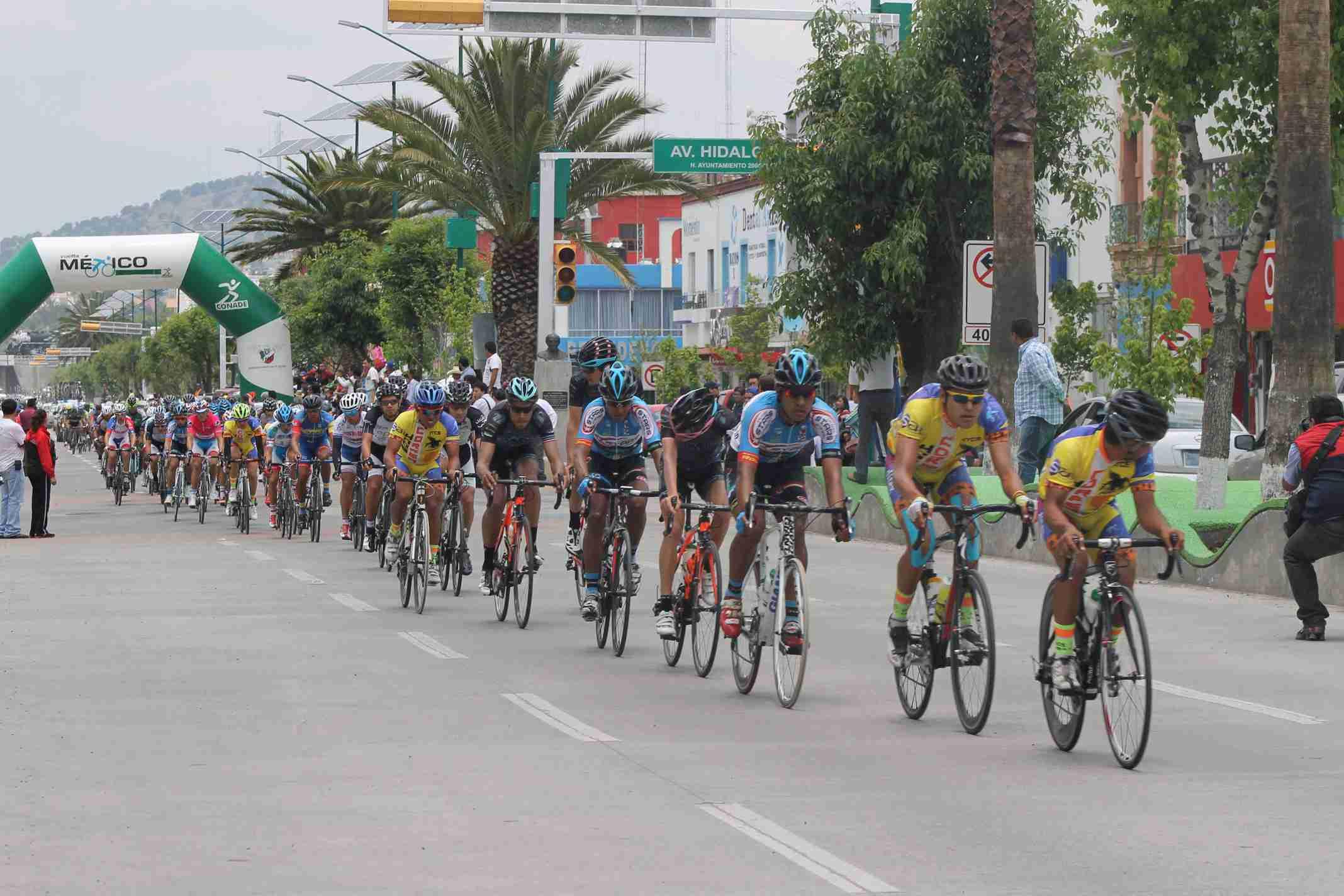 Pasa por Tlaxcala ciclistas de la Vuelta México 2015