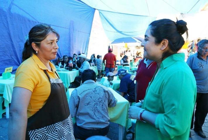 Tianguistas y comerciantes de Tlaxcala refrendan apoyo a Anabel Alvarado