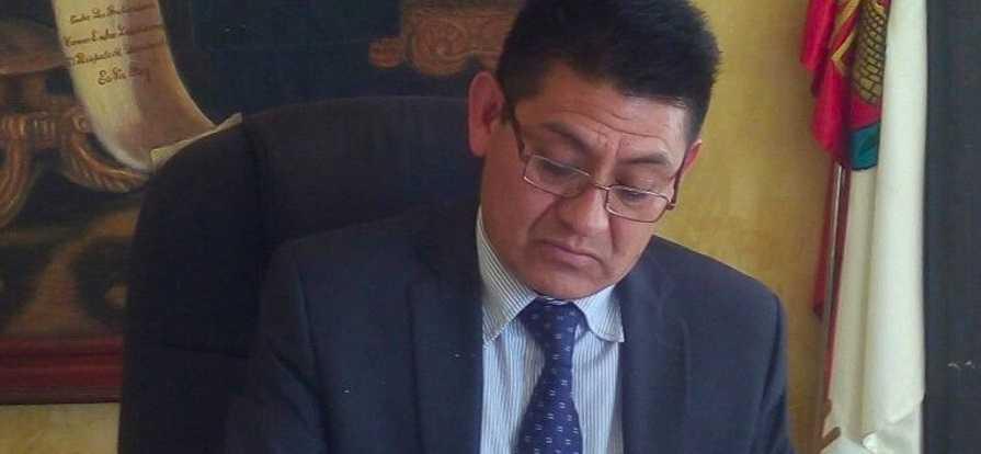 Inútil presidente de Huactzinco realiza obra sin evaluación de impacto ambiental