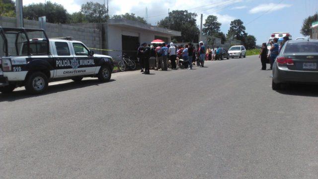 Hallan cadáver de comerciante en Texcacoac; investigarán el caso