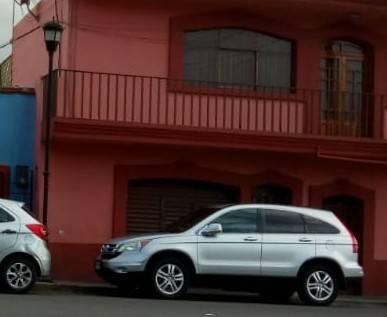 Atracan dos negocios en Tlaxco a plena luz del día