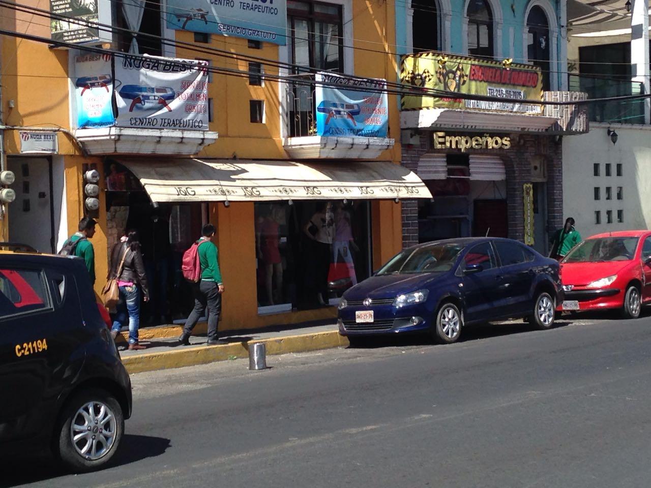 Comercios en Zacatelco apartan su pedazo de calle