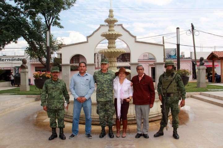 Visita Texóloc el Coronel de Infantería Anselmo González