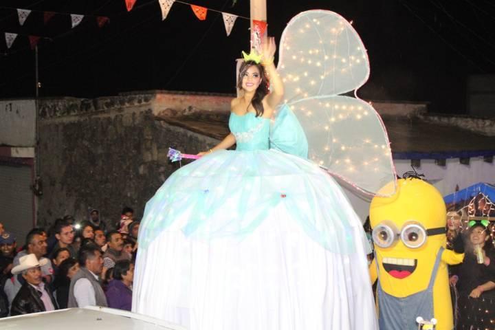 Un éxito primera edición del Desfile Nocturno de la Feria Tetla 2017