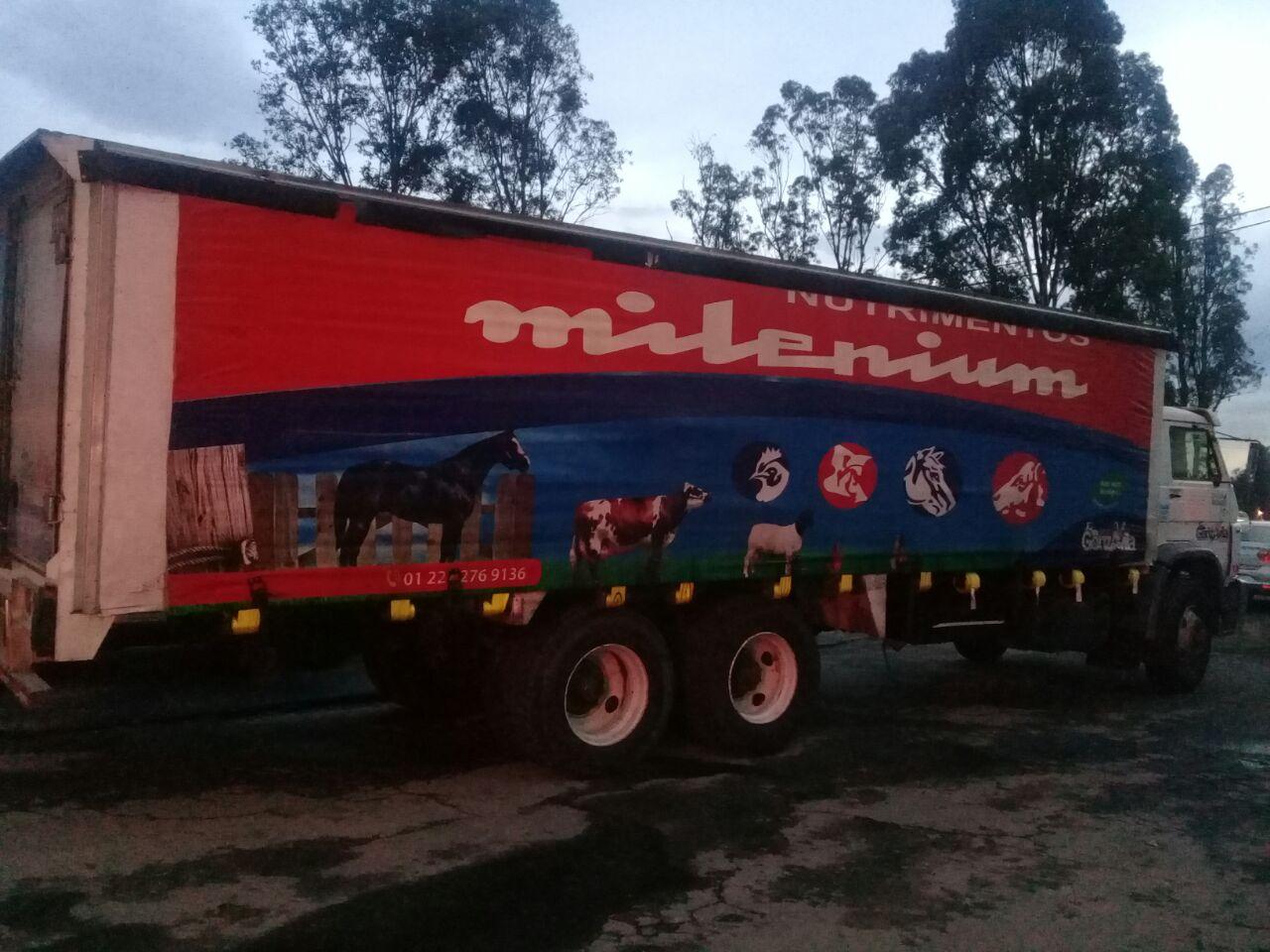 Impide Apetatitlán robo a camión de carga