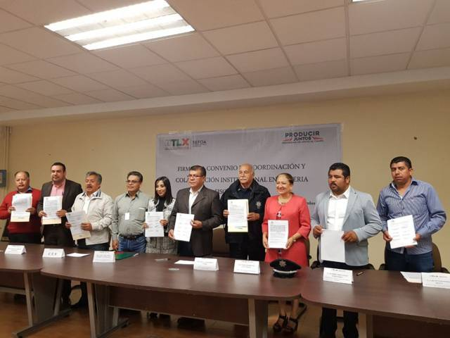 Texóloc firma convenio con Gobierno Estatal para movilización de ganado