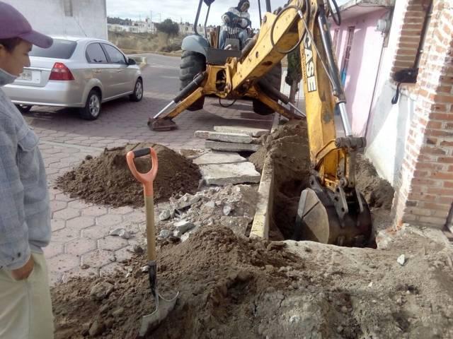 Ayuntamiento rehabilita y da mantenimiento correctivo al drenaje sanitario