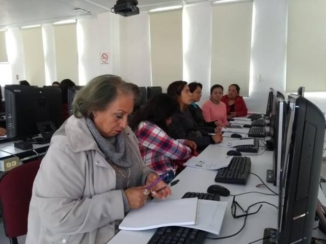 Crece demanda del Curso de computación para mujeres que organiza comuna de Tlaxcala