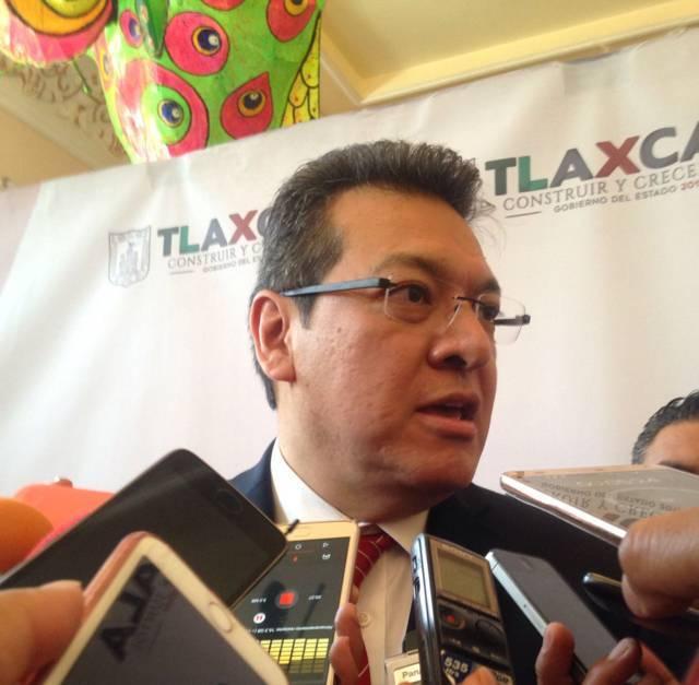 Pedro Ferriz exige al INE anular proceso de recolección de firmas