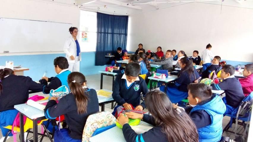 Brinda SMDIF de Tlaxcala atención a estudiantes con grupos multidisciplinarios