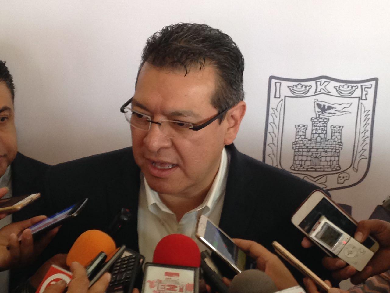 Llama gobernador a retomar la tranquilidad en Ixtenco