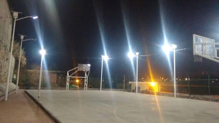 Rehabilitan alumbrado público en el Deportivo de San Isidro de la comuna de Tlaxcala
