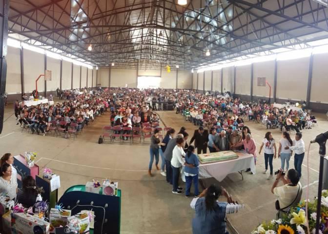Ayuntamiento de Tetla festeja el Día de las Madres en sus comunidades