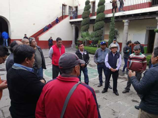 Transportistas piden un alto al acoso policial de Chiautempan